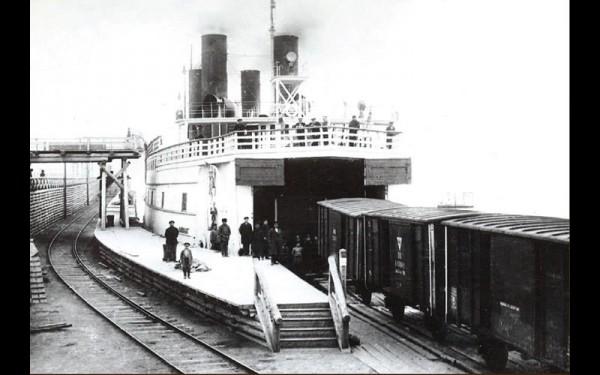 Погрузка вагонов на паром «Байкал».