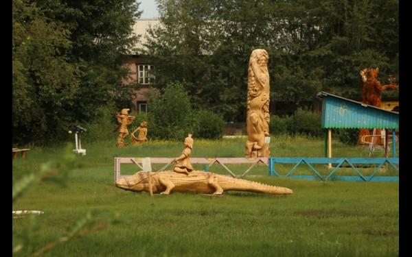 Скульптуры в детском саду №17