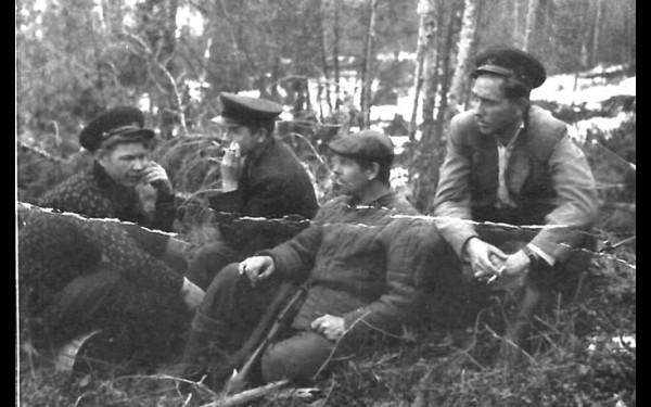 Селютин, Геннадий Иосифович Шустицкий, И.А.Денискин на разведке гольца Скорняковского. Лето 1956 года.