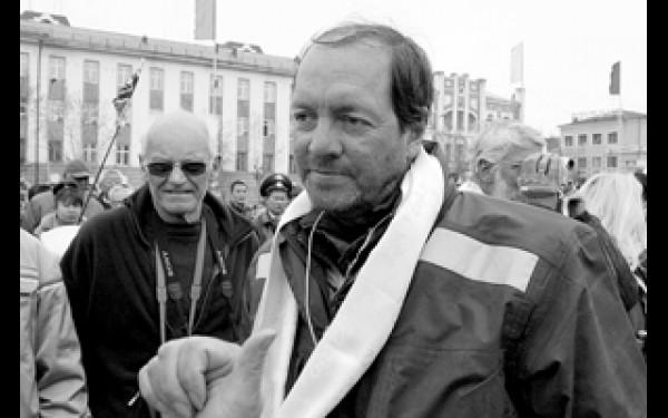 """""""Больше всего меня поразила бедность ваших деревень,через которые нам приходилось проезжать на пути изВладивостока"""", — сказал член Палаты лордов ВеликобританииНиколас Фейерфакс"""