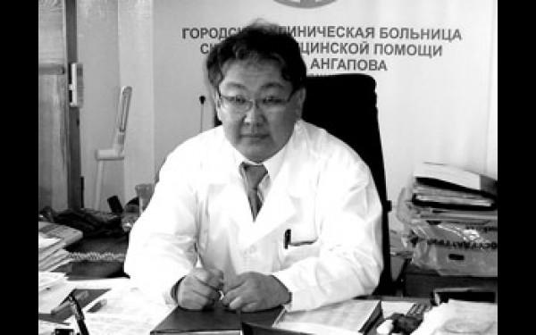 """Валерий Амагыров: """"Если в срочном порядке не начать решать проблему острого дефицита площадей, то работа единственной в городе больницы скорой медицинской помощи может быть парализована""""."""