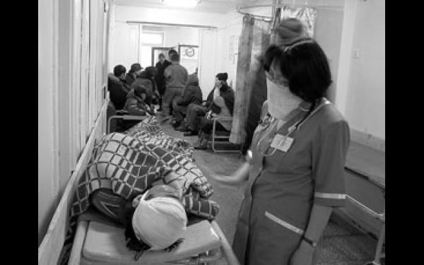 Вопреки всем санитарным нормам в один приемный покой поступают все: и дети, и бомжи, и старики, и инфекционные больные.