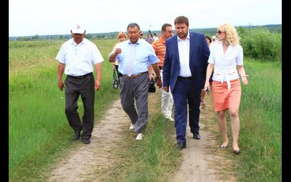 На должности заместителя министра сельского хозяйства приходилось заниматься и рыбоводством. Выезд на реку Белую, где летом 2013 года было выпущено семь миллионов мальков пеляди.