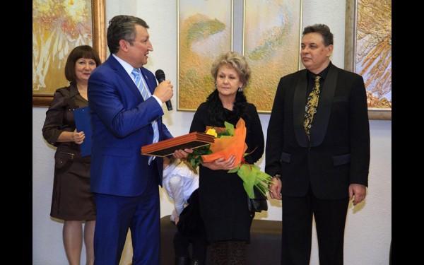 Дмитрий Баймашев является почетным членом Союза художников России, известным коллекционером и меценатом. Он помогает в реализации многих творческих проектов, один из которых — издание альбома об иркутской художнице Галине Новиковой.