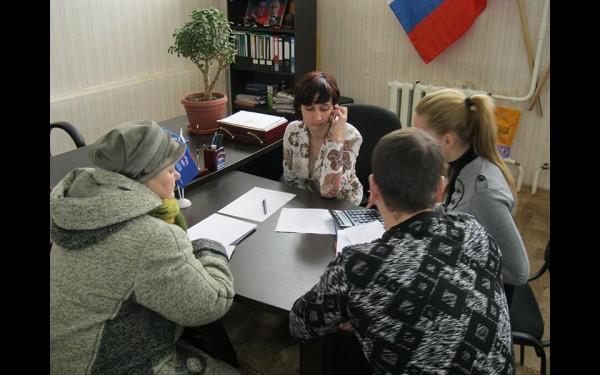 Один из важных моментов в жизни депутата: прием граждан в Чунском районе.