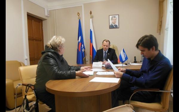 На приеме в общественной приемной председателя партии «Единая Россия» в Иркутской области.