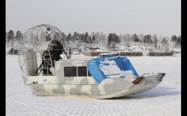 Вездеходная лодка на время ледостава