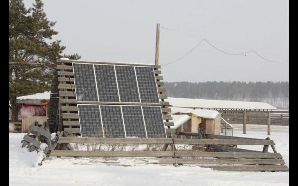 Электричества на острове пока нет, спасают солнечные батареи