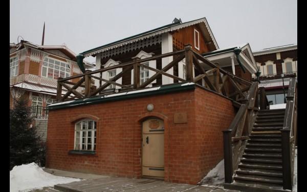 Гончарная мастерская расположена в самом центре Иркутска, в отделе «Ремесленное подворье» областного Дома народного творчества