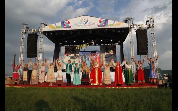 На Заларинской земле много лет мирно живут представители разных национальностей