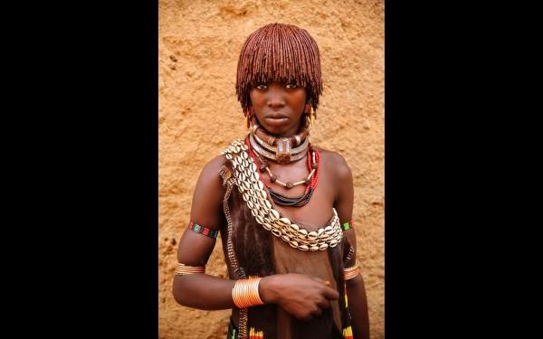 Девушка из Хамер Вореды (юго-западная Эфиопия)