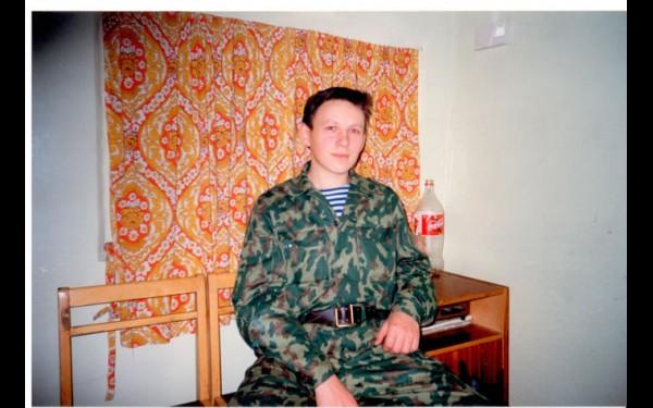 Аспирантура. Вахтер 12-го общежития (1997—2000 гг.). Здесь, на вахте, написал кандидатскую диссертацию