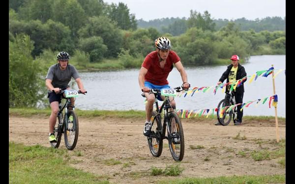 Два десятка километров на велосипеде по пересечённой местности — серьёзное испытание для любого спортсмена