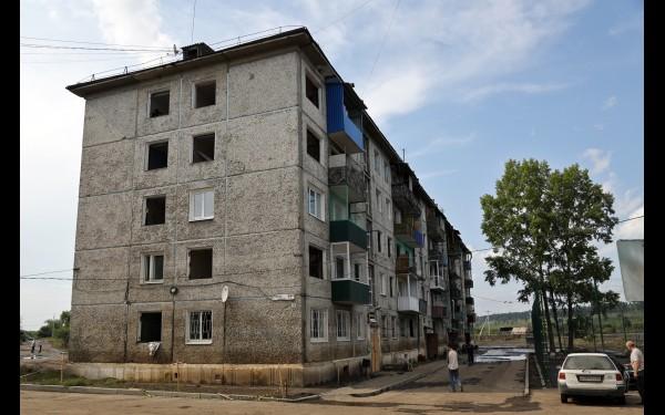 Разрушенный наводнением дом №11 по ул. Рабочий городок в Тулуне