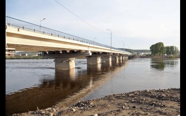 Мост через реку Ия в Тулуне