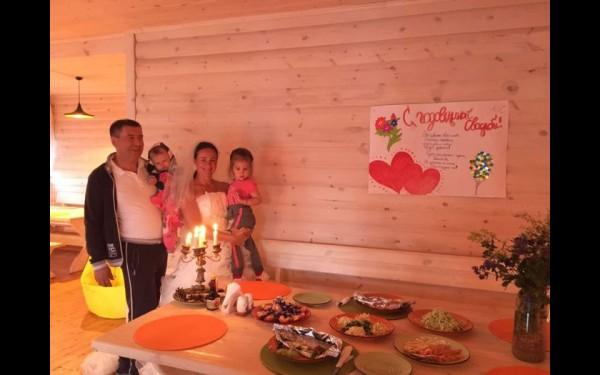 Минувшим летом супруги Анастасия Егорова и Игорь Наумов отметили третью годовщину свадьбы.