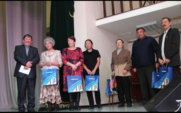 Самые ответственные устьордынцы получили подарки от Иркутской энергосбытовой компании