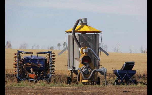 Современная зерносушилка помогает сохранить урожай.