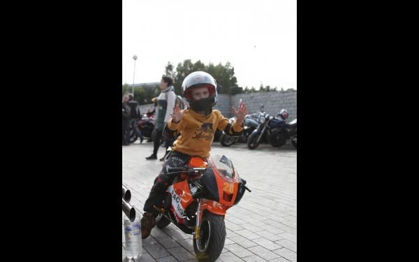 Самый юный байкер Марк Сальников: «Мне мотоцикл подарили в этом году на пятилетие. Я сел и сразу же поехал».
