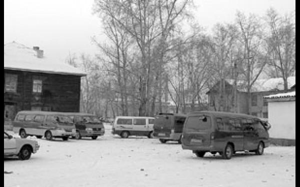 Многие водители были вынуждены покинуть  привокзальную площадь