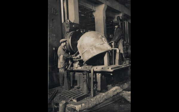 Количество рабочих во время войны выросло почти вдвое