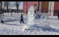 Возле ДК «Русь» еще стоит ледяной городок и горка для детишек.