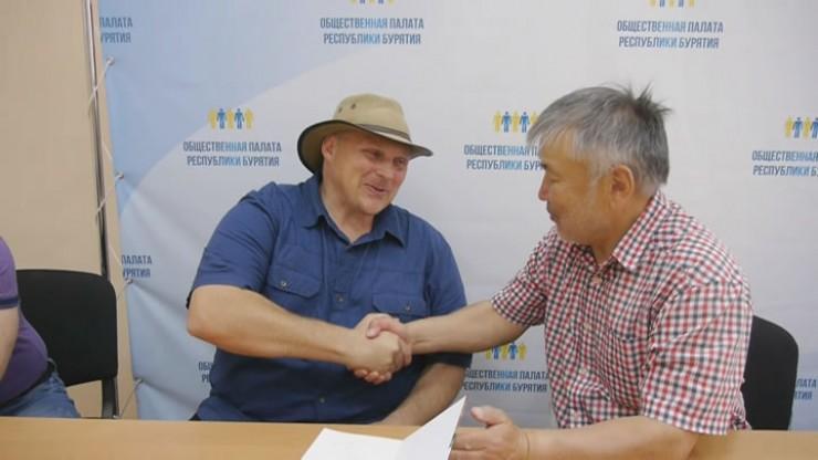 Иоханн Дю Туас председателем Общественнойпалаты и ассоциации «Фермеры Бурятии» Баиром Бальжировым