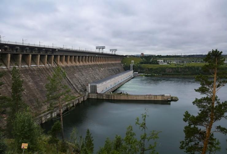 Плотина ГЭС — самый большой памятник страны, созданный руками человека.