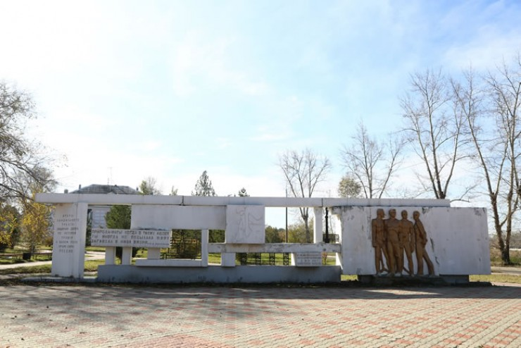 Памятник политкаторжанам