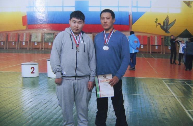 Юрий Сушкеев (слева) планирует стать тренером