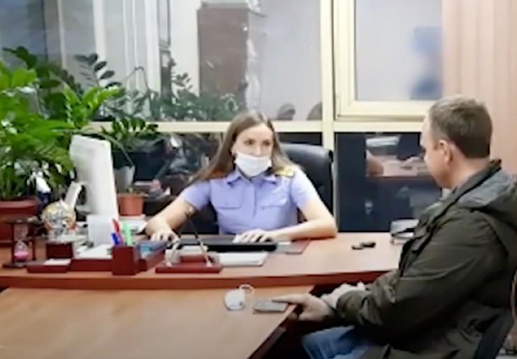 Депутат Законодательного Собрания Иркутской области Андрей Левченко, задержанный по подозрению в мошенничестве в особо крупном размере, во время допроса (кадр с видео СК).