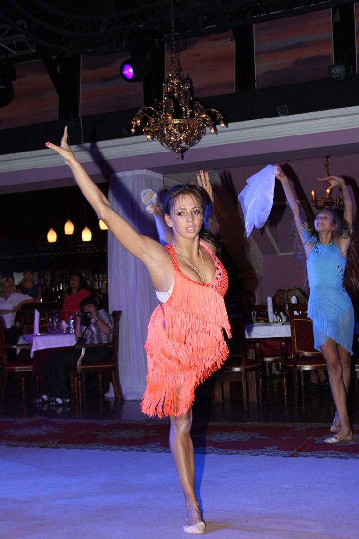 Первый благотворительный аукцион прошел в 2012 году. Тогда на нем выступила Дарья Дмитриева, завоевавшая в том же году олимпийскую серебряную медаль.