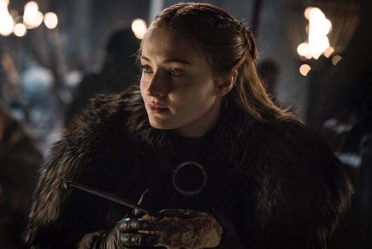 В «Игре престолов» много интересных женских персонажей. Санса Старк воспитывалась как будущая жена короля, чтобы во всем ему угождать и слушаться. Но вместо этого она стала невестой одного садиста, а потом женой другого. В результате характер Сансы изменился до неузнаваемости, от романтической девочки ничего не осталось, зато она стала самой мудрой