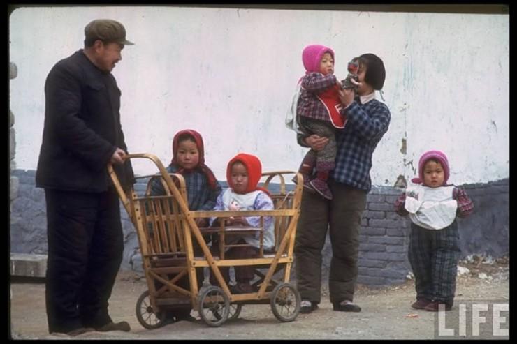 В 70-х годах прошлого века повседневная жизнь в КНР выглядела примерно так, какв Северной Корее сегодня, только в более суровом варианте. В голове неукладывается, как китайцы от полной разрухи и нищеты вышли на второе место вмире по экономике