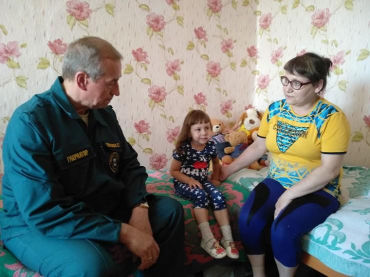 Губернатор Сергей Левченко: «Мною дано поручение обеспечить детей полноценным отдыхом вплоть до начала учебного года. Дети должны вернуться в пострадавшие  от наводнения населённые пункты, когда мы приведём их в порядок и сделаем пригодными для жизни»