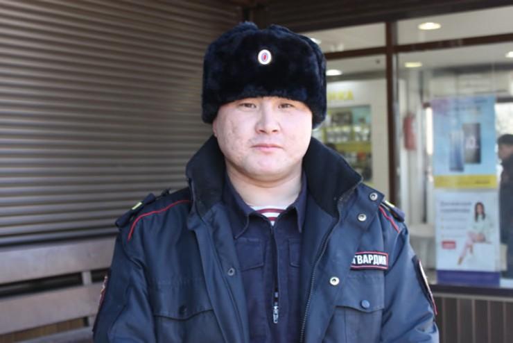 Анатолий Богданов смог реанимировать мужчину.  Только благодаря своевременно оказанной первой помощи удалось спасти человека.
