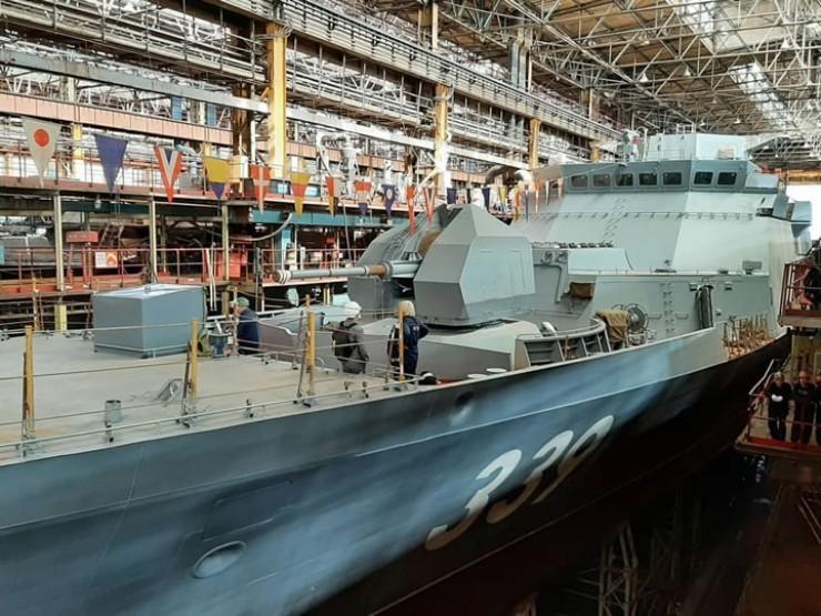 Новый корабль с бортовым номером 339 будет иметь управляемые ракеты Х-35 «Уран», артиллерийское вооружение, системы противолодочной и противовоздушной обороны.