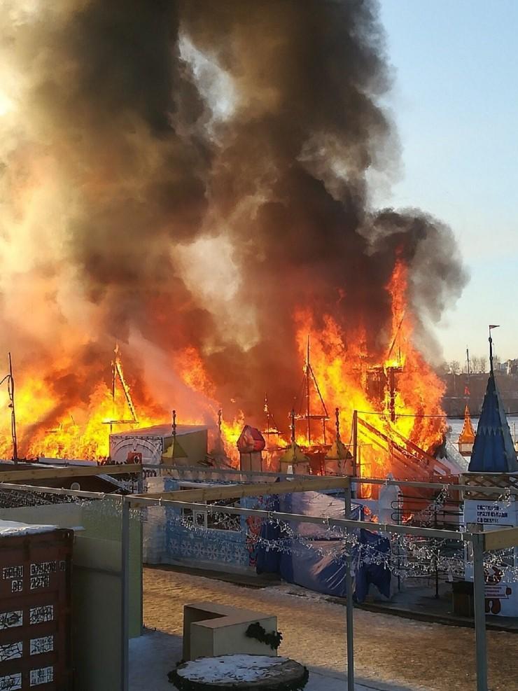 Пламя быстро уничтожило одно из любимых мест отдыха горожан.
