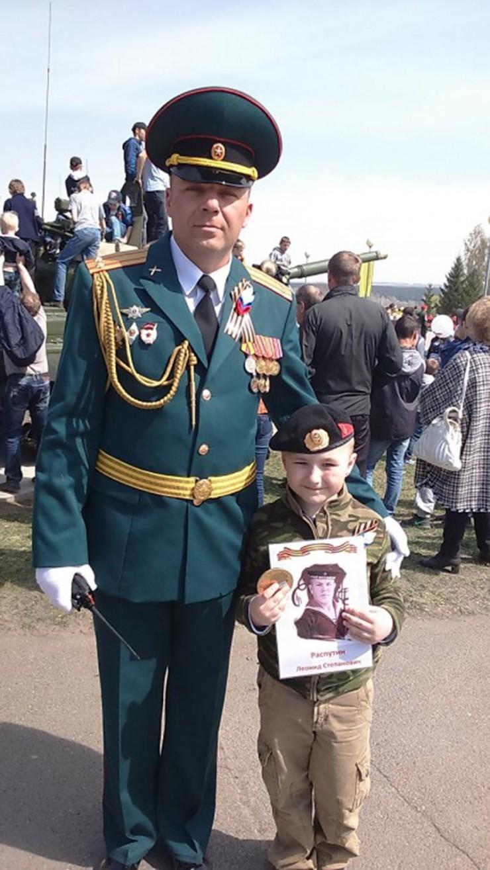 Иван Черемисин на параде Победы