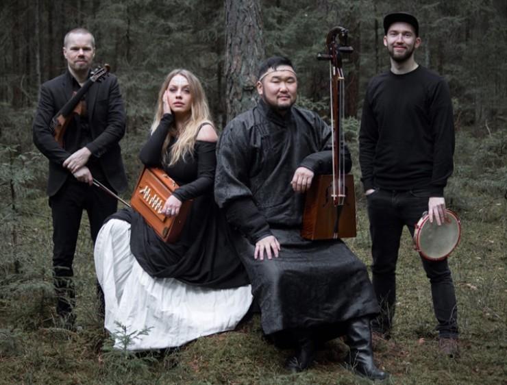 Артисты гастролируют по России, Европе и везде срывают бури восторга и оваций