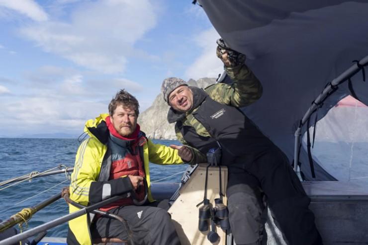 Александр Казакевич и Александр Ломп — иркутские предприниматели, прошедшие в составе экипажа «Искателя» один из самых длинных отрезков пути — до прошлогоднего финиша в аляскинском порту Хомер.