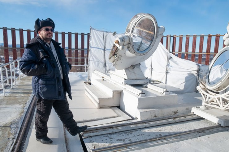 Василий Пуляев работает в обсерватории 17 лет, однажды он приехал на гору на пару дней и остался
