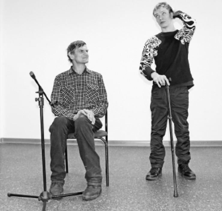 Александр Демешко и Андрей Иванов репетируют одну  из сценок