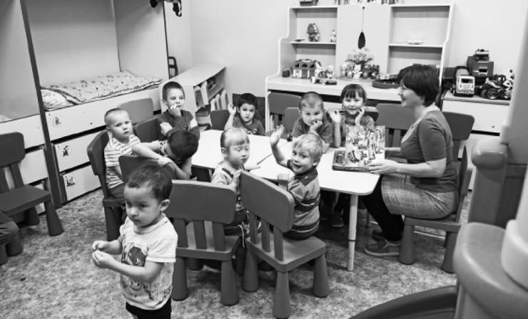 В «Обереге» есть небольшой детский сад для малышей, чьи мамы были вынуждены бежать от домашних тиранов  и оказались на улице