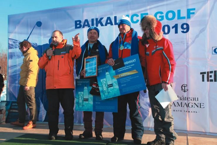 Александр Кочетков, директор Ассоциации гольфа России, с напарником из Китая выиграл турнир.