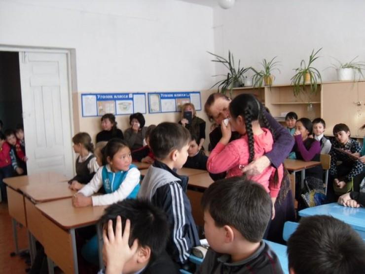 Рассказ Марии Поповой так впечатлил школьников, что многие не могли сдержать слез