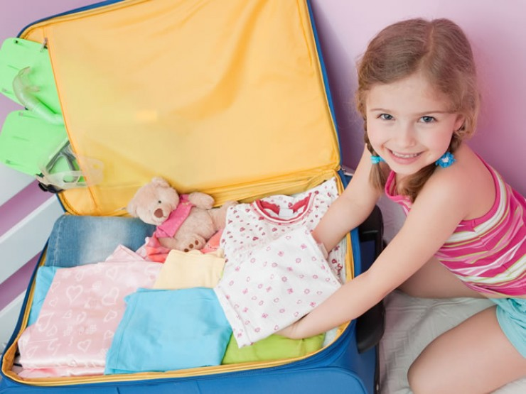 Процесс сбора ребенка на отдых утомителен, поэтому лучше начать готовиться заранее