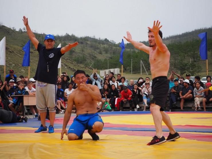 Танец орла в исполнении чемпиона