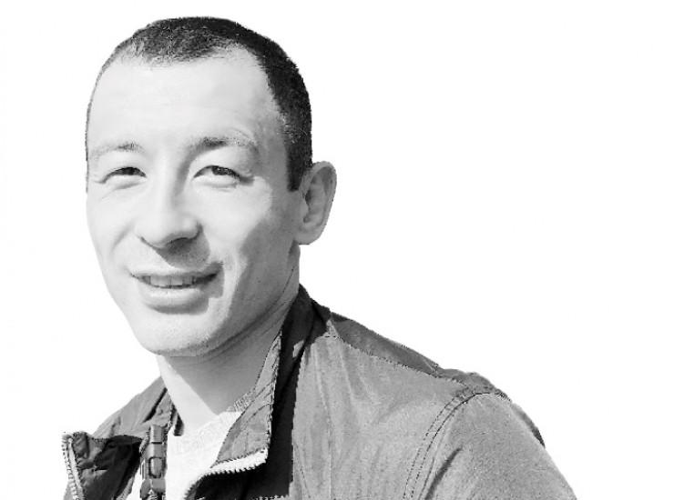 Иркутянину Алексею Киму, мастеру спорта по универсальному бою, чемпиону России  по панкратиону,  31 год. В его профессиональной карьере пять боев  и пять побед, причем все досрочно, техническим нокаутом