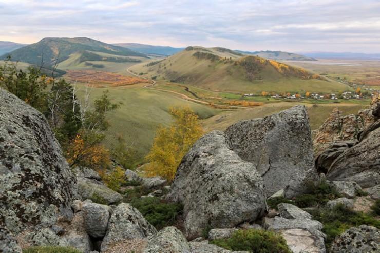 Вид со скалы на Суво и Баргузинскую долину